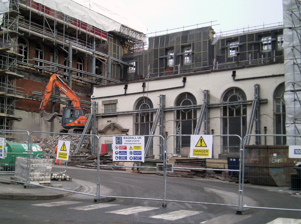 Oldham Old Town Hall demolition